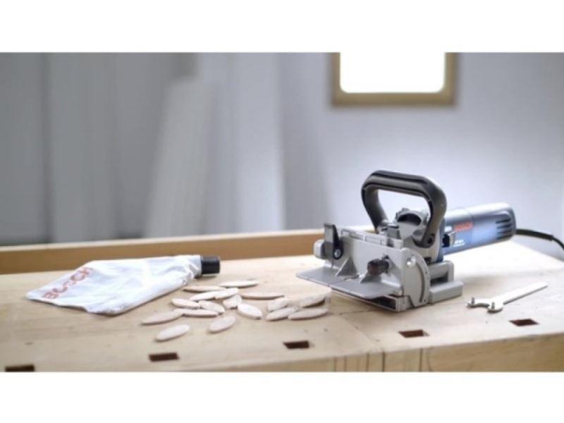 Glodalica za pljosnate tiplove-kekserica Bosch GFF 22 A, 670W (0601620003)
